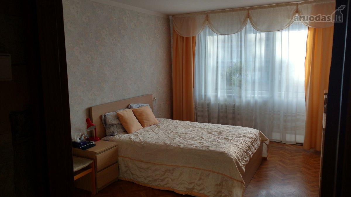 Kauno r. sav., Garliavos m., Vasario 16-osios g., 3 kambarių butas