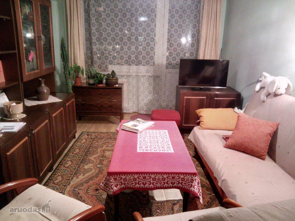 Vilnius, Karoliniškės, Algimanto Petro Kavoliuko g., 3 kambarių butas