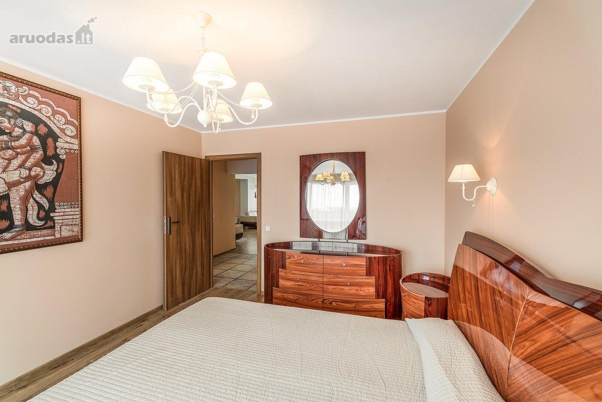 Vilnius, Pašilaičiai, Laisvės pr., 4 kambarių butas