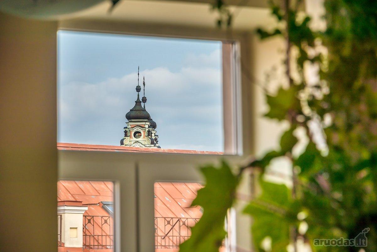 Vilnius, Senamiestis, J. Basanavičiaus g., 6 kambarių butas