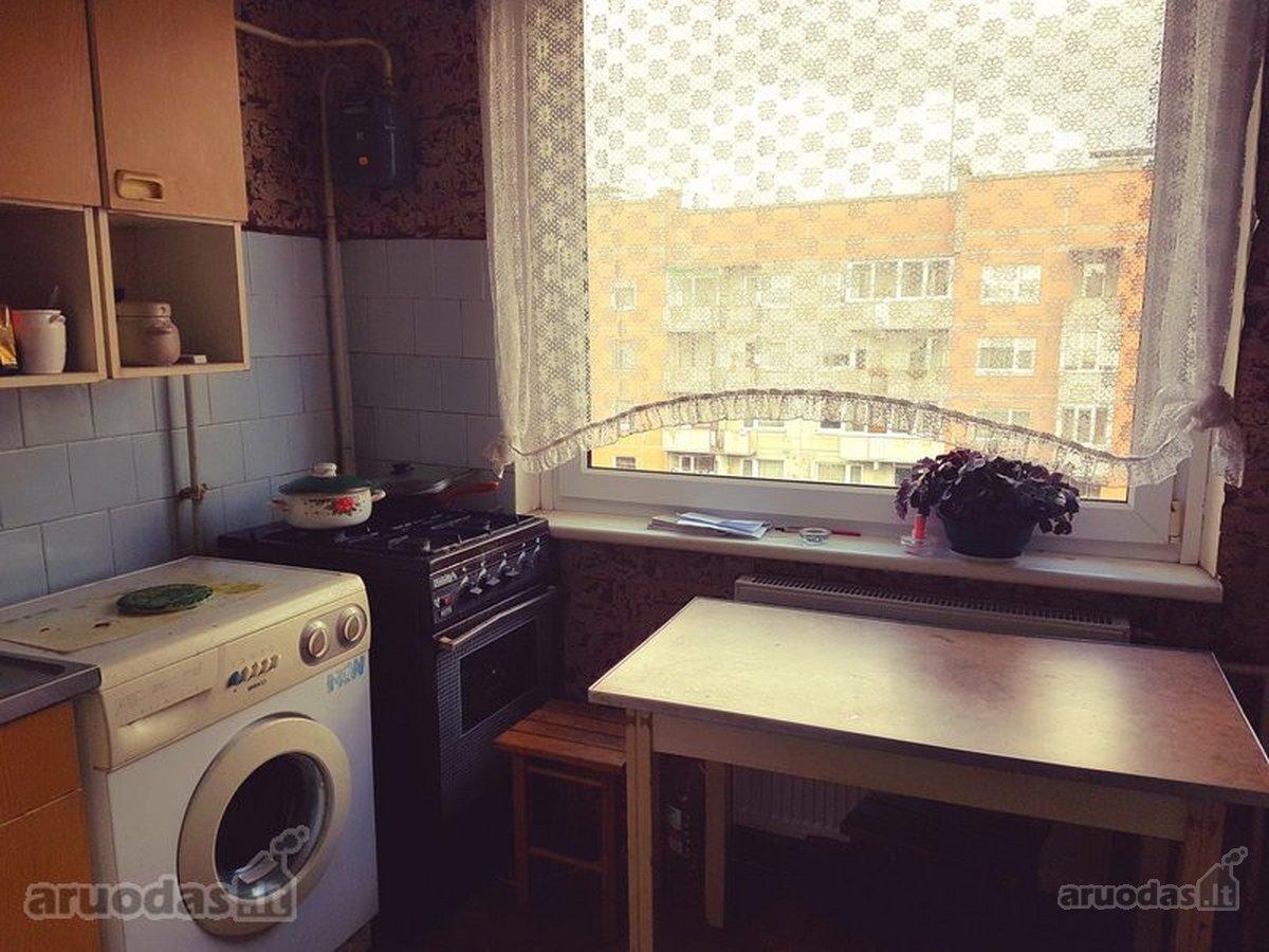 Kretingos m., Savanorių g., 2 kambarių butas