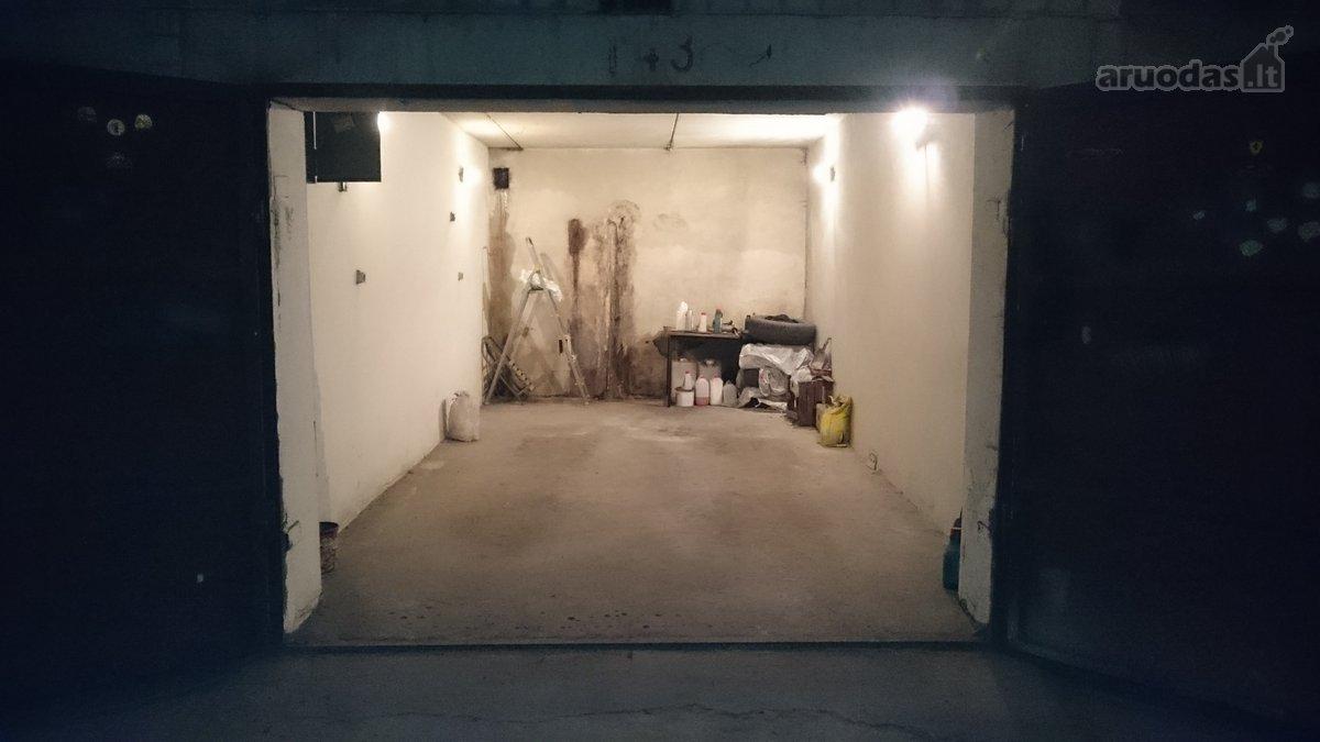 Parduodamas požeminis garažas Šilainiuose.