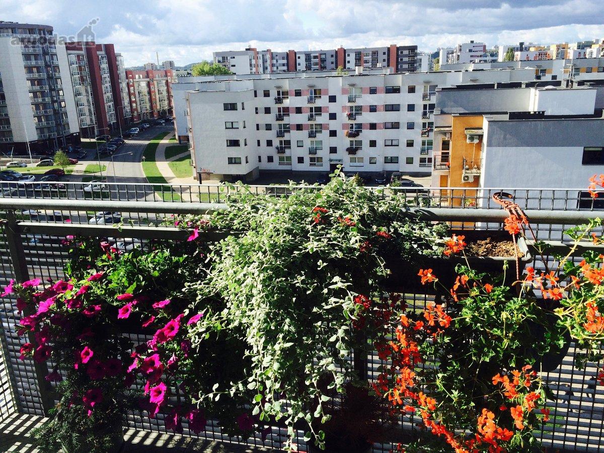 Vilnius, Šiaurės miestelis, S. Žukausko g., 4 kambarių butas