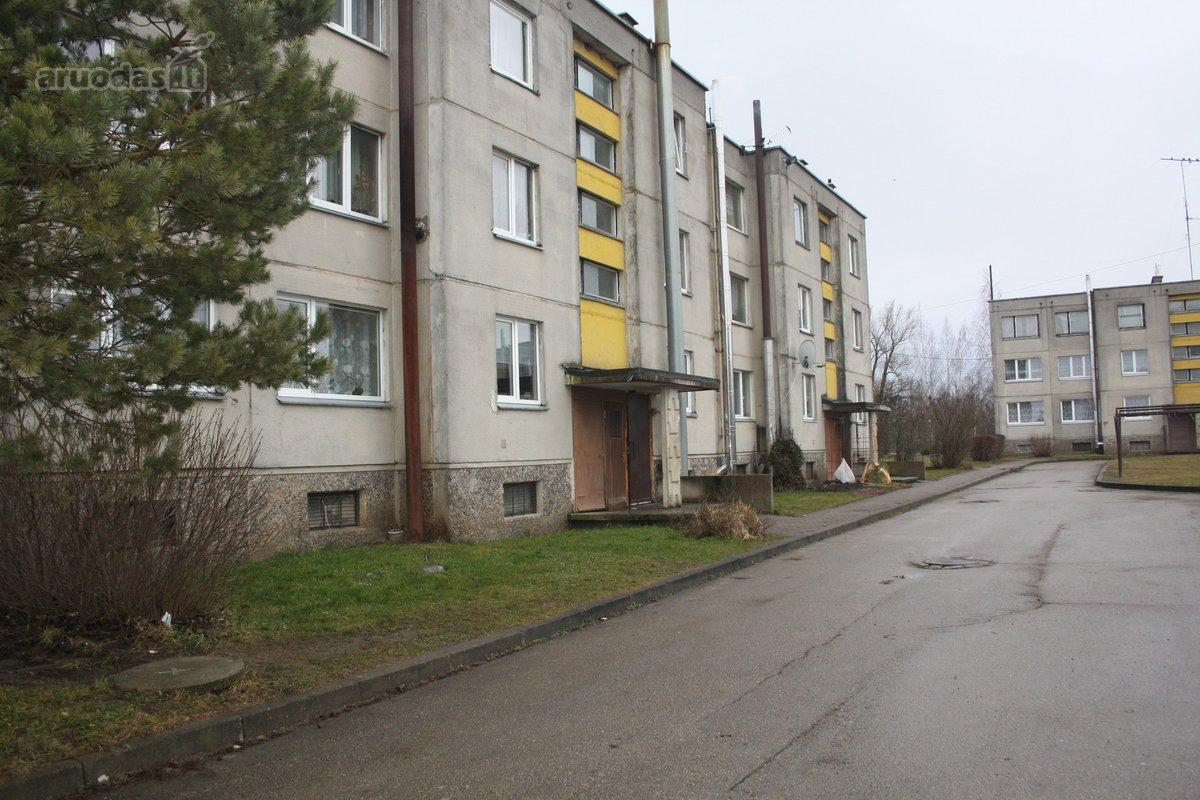 Pakruojo r. sav., Petrašiūnų k., Stoties g., 4 kambarių butas