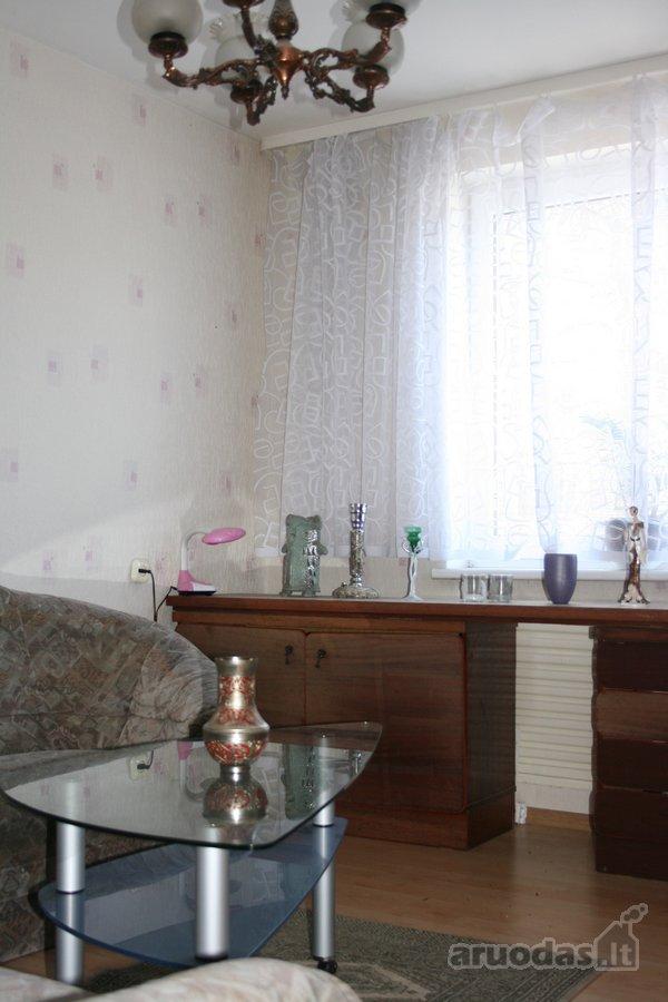 Varėnos m., J. Basanavičiaus g., 4 kambarių butas