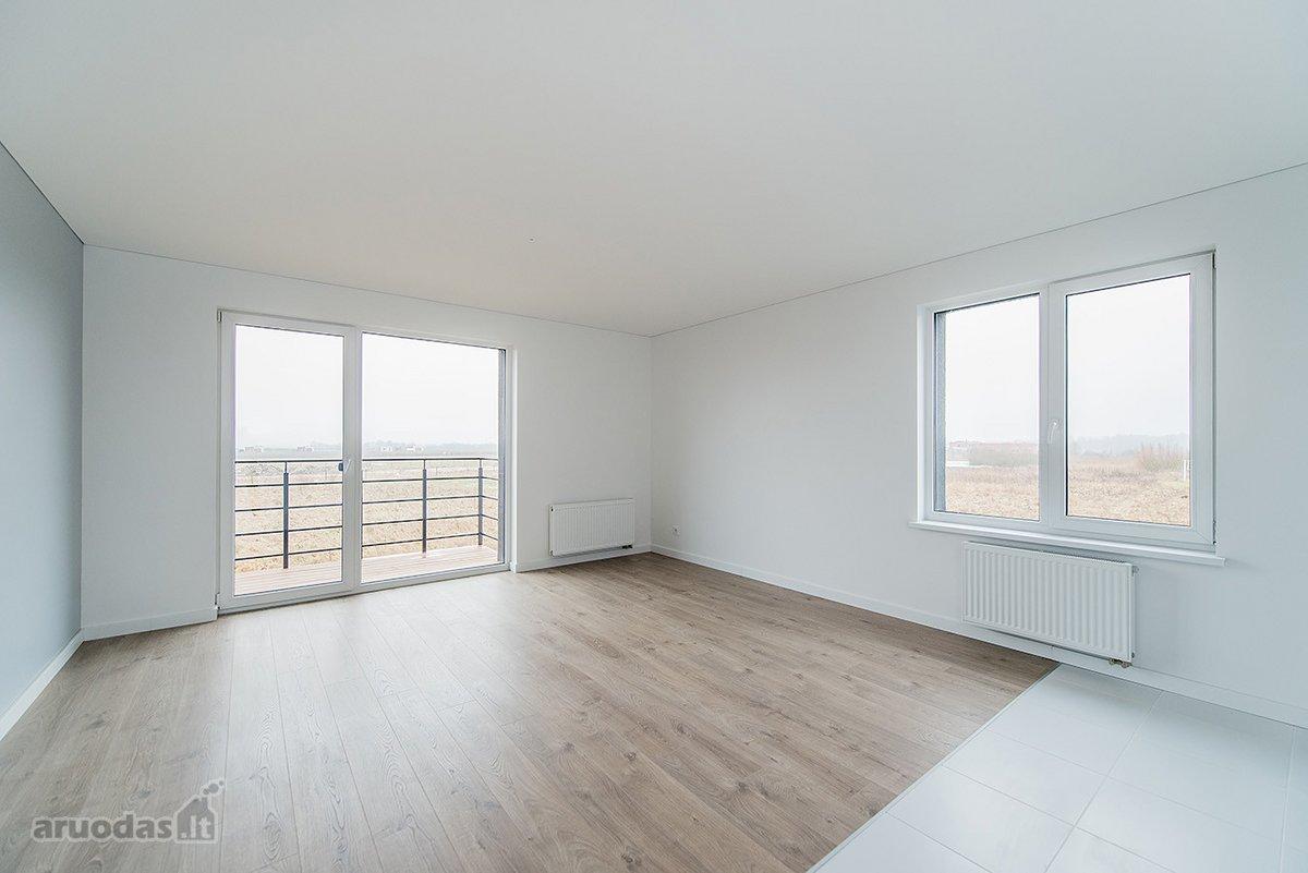 Kauno r. sav., Užliedžių k., Pienių g., 3 kambarių butas