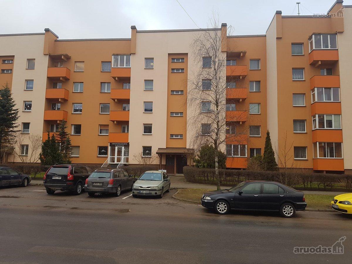 Plungės m., A. Jucio g., 3 kambarių butas