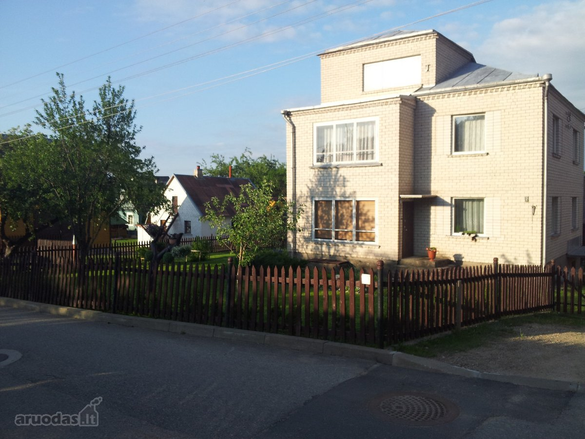 Ignalinos m., Sporto g., mūrinis namas