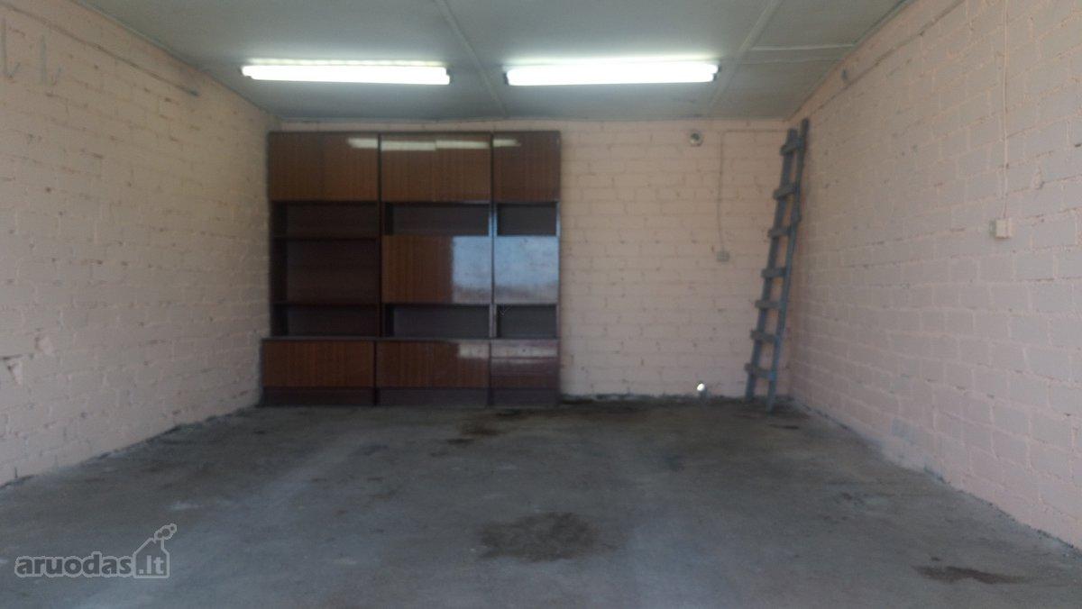 Telšių m., Masčio g., mūrinis garažas