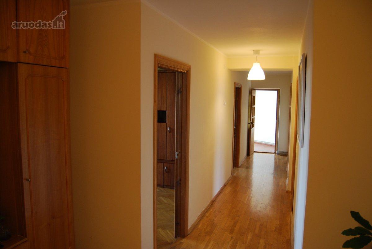 Kaunas, Žaliakalnis, Topolių g., 5 kambarių butas