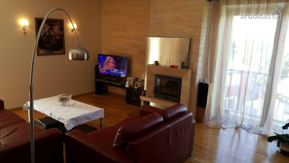 Vilnius, Fabijoniškės, Juliaus Juzeliūno g., 4 kambarių butas