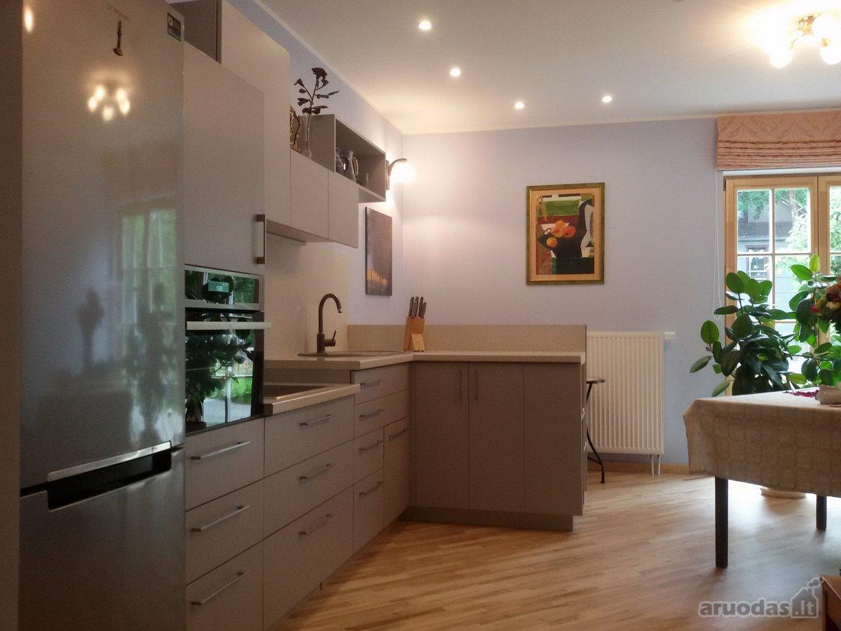 Vilnius, Žvėrynas, D. Poškos g., 3 kambarių butas