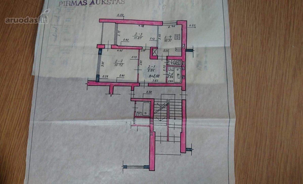 Jurbarko r. sav., Smalininkų m., Nemuno g., 2 kambarių butas