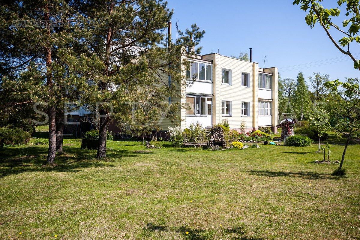 Utenos r. sav., Ąžuolijos k., 3 kambarių butas