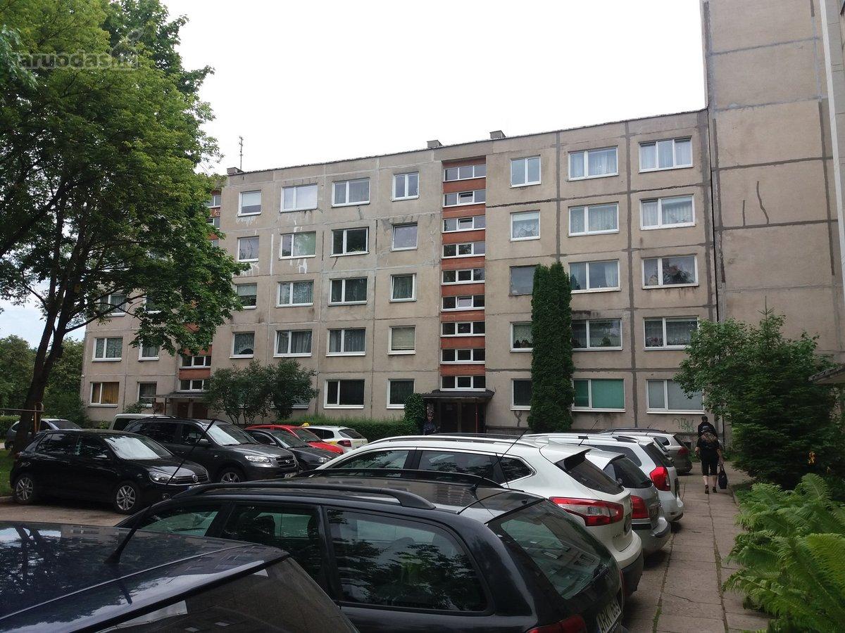 Vilnius, Karoliniškės, Vytauto Vaitkaus g., 4 kambarių butas