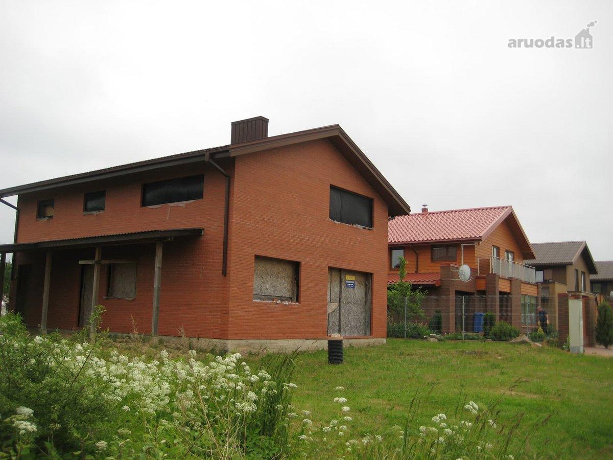 Parduodamas naujos statybos neįrengtas namas