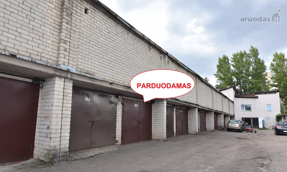 Vilnius, Ozo g., mūrinis garažas