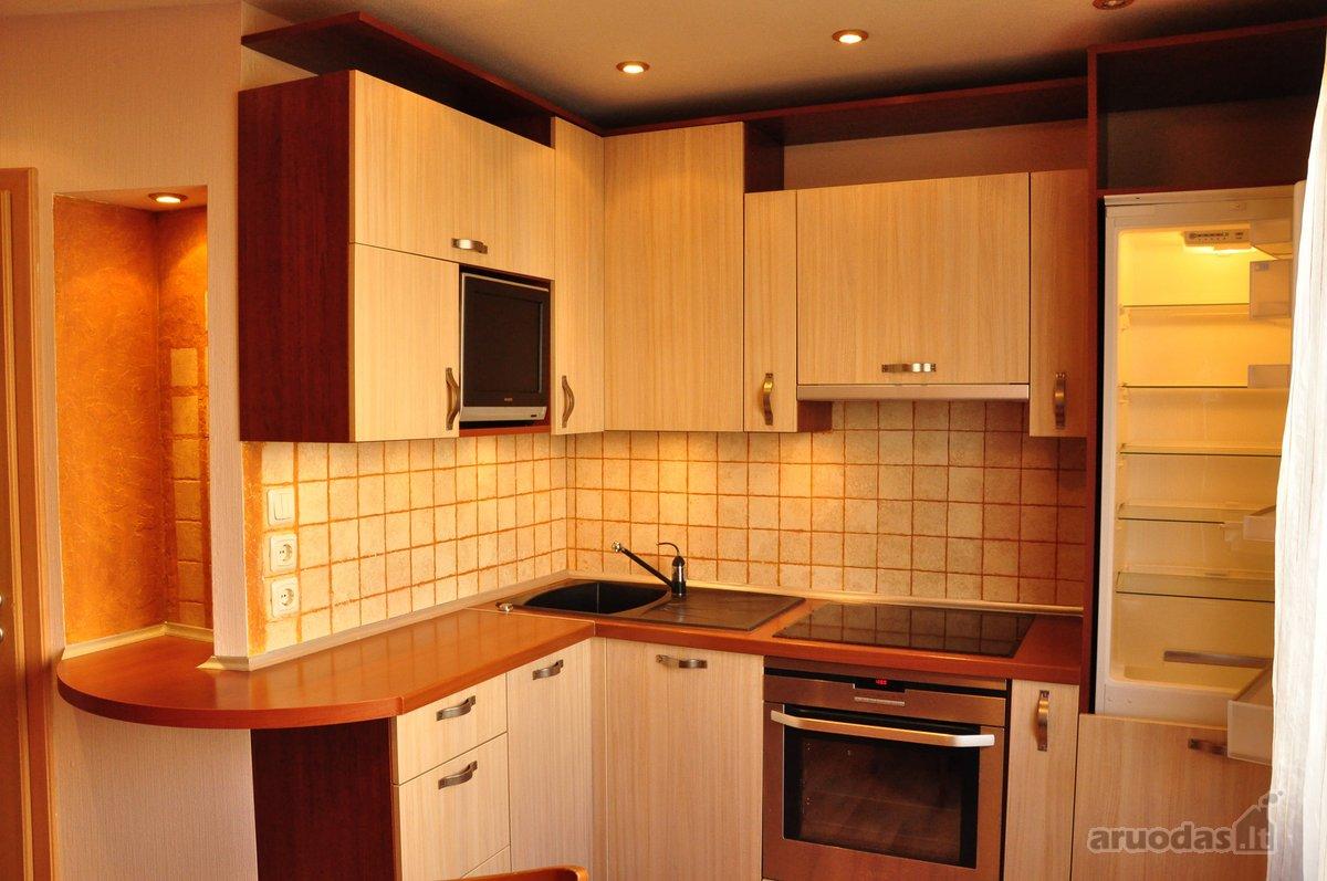 Varpų.g parduodamas 2-kamb. butas (gyvenamas