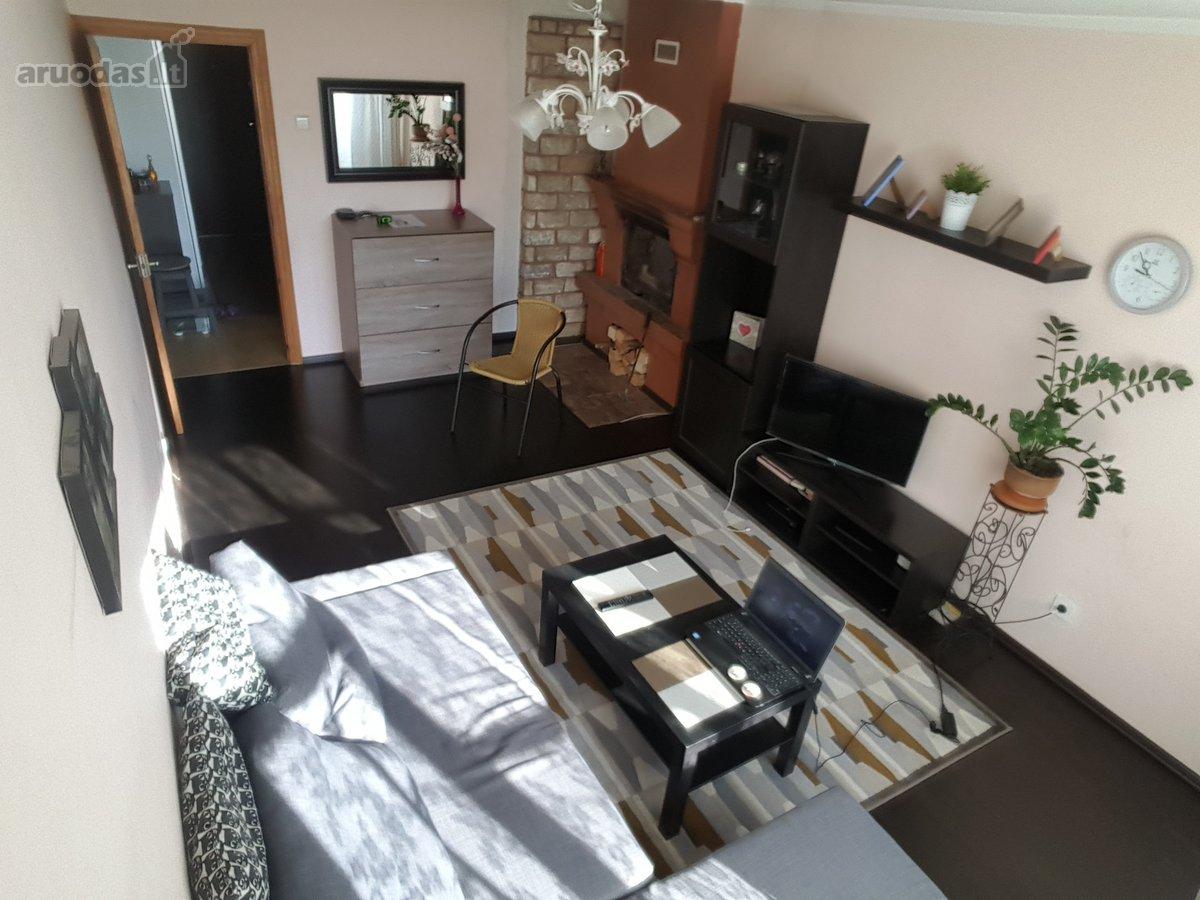 Parduodamas 2 kambarių butas, molėtų