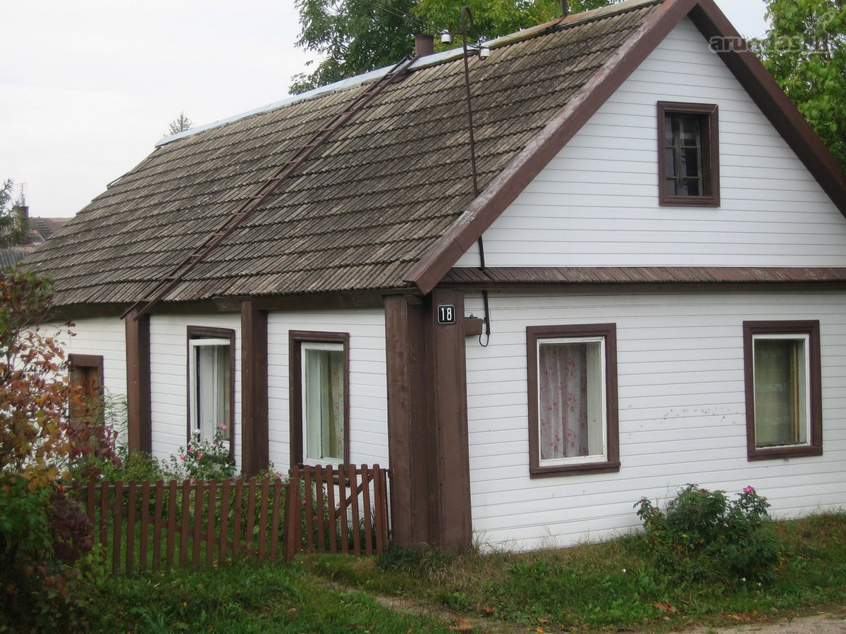 Zarasų r. sav., Dusetų m., A. Vienažindžio g., rąstinis namas