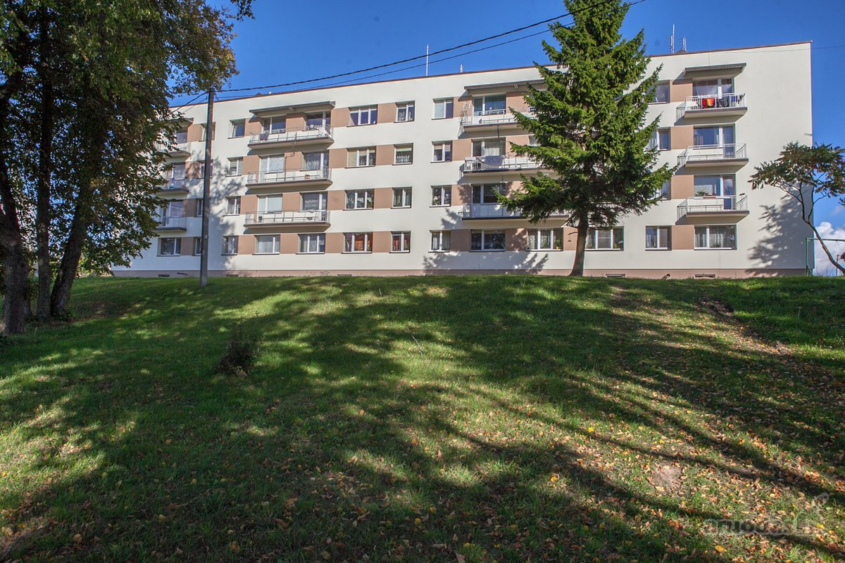 Kelmės r. sav., Tytuvėnų m., Maironio g., 3 kambarių butas