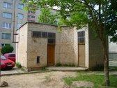 Parduodamas 22,44 kv.m. mūrinis namukas.