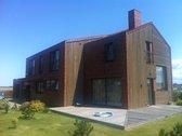Parduodamas šiuolaikiškas, modernus namas