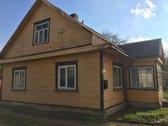 Parduodamas 3 kambarių rąstinis namas