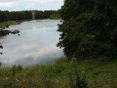 Sklypas yra netoli Aukštadvario, nuo Vilniaus