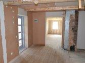 Parduodamas rekonstruotas, medinis namas
