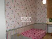 Parduodamas 3 kambarių butas Klaipėdos centre, S. Šimkaus gatvėje. Plastikiniai langai, šarvo durys, parketas, wc ir vonia kartu, ...