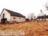 Parduodama didelė sodyba Telšių rajone.