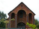 Parduodama Šešuolėlių II dvaro pastatas.