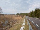 Trakų rajone, 8 km nuo miesto link Elektrėnų,