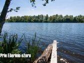 Ant ežero kranto parduodamas namas.
