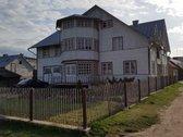 Medinis gyvenamas 2 aukštų namas prie Nemuno