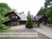 Parduodamas išskirtinis gyvenamasis namas