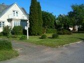 Namas parduodamas su ūkiniu pastatu. Vonioje