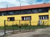 Yra trys patalpos: 100m2, 90m2. ir 60m2.