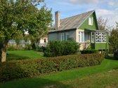 Parduodamas sodo namas su sklypu. Namelyje