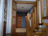 Parduodama namo dalis su galimais 2 butais