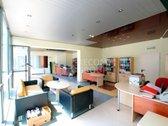 - Patalpos puikiai tinka komercinei veiklai ar paslaugų sferai: - Vitrininiai langai į gatvės pusę; - Atskiras įėjimas iš Naugarduko ...