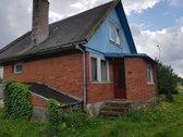 Parduodamas gyvenamasis namas su mansarda