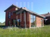 Parduodamas pilnai įrengtas 2 aukstų namas