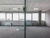 Nuomojamos 227 kv.m modernios, naujai įrengtos patalpos. Naujame Verslo Centre, įsikūrusiame Savanorių prospekte 109.  Modernios ...