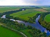 Sklypas yra Šilutės rajone ant dviejų upių -