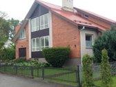 Parduodamas jaukus namas vienoje geriausių