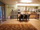 Parduodamas įrengtas 3 kambarių butas per du