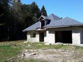 Parduodamas nebaigtas statyti 180 kv.m namas