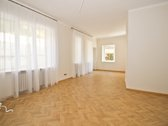 Butas su 40 m2 terasa, 2 sandėliukais ir